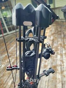 HOYT Carbon Element RKT RH WT 60-70 28.5 Draw Great Condition Hunting Read