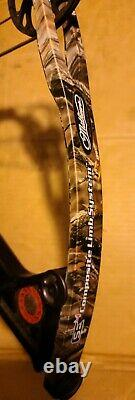 Mathews Z7 70lb 29.5 Right Hand Blacked Riser Compound Hunting Bow Loaded